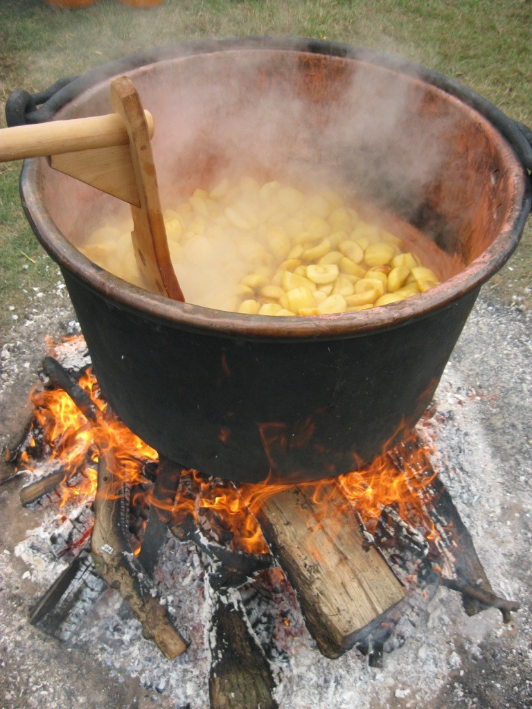 The apples have just been added and now for the big boil!
